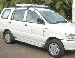 Tavera Taxi Chandigarh